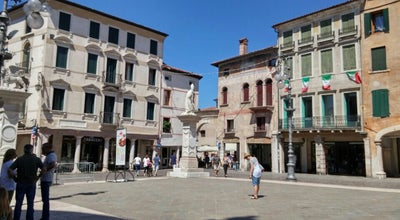 Photo of Italian Restaurant Il Garibaldi at Via Bonamigo 36, Bassano del Grappa 36061, Italy