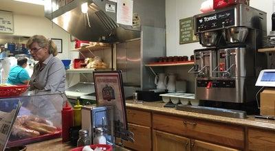 Photo of Burger Joint Al's Hamburgers at 131 S Washington St, Green Bay, WI 54301, United States