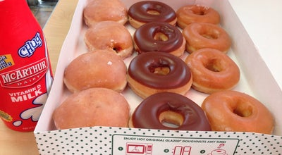 Photo of Donut Shop Krispy Kreme Doughnuts at 2401 N Federal Hwy, Fort Lauderdale, FL 33305, United States