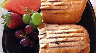 Photo of Mediterranean Restaurant Fresh & Fabulous Cafe at 221 W 5th St, Oxnard, CA 93030, United States