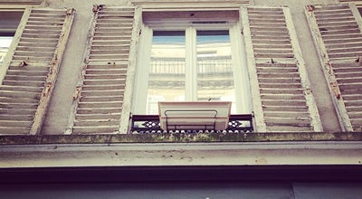 Photo of Tattoo Parlor Bleu Noir Tattoo Artshop at 25 Rue Durantin, Paris 75018, France