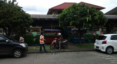 Photo of Food Truck Lapten Kemang Pratama at Jalan Niaga Raya, Bekasi, West Java, Indonesia