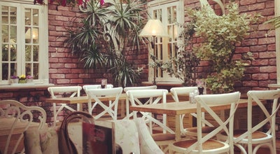 Photo of Cafe Rose Marine at Kılış Ali Paşa Mah. Akarsu Cad. No: 27 Cihangir, Beyoğlu, Turkey
