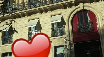 Photo of Hotel Hôtel La Réserve at 42 Avenue Gabriel, Paris 75008, France