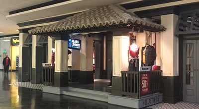 Photo of Women's Store Hollister Co. at 4465 Poplar Avenue, Memphis, TN 38117, United States