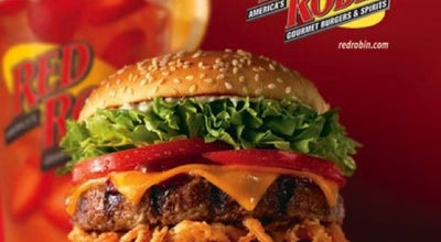 Photo of Burger Joint Red Robin Gourmet Burgers at 6200 Hadley Rd, South Plainfield, NJ 07080, United States