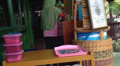 Photo of Asian Restaurant Ayam Gepuk M. Yamin at Jl. M. Yamin, Samarinda, Indonesia