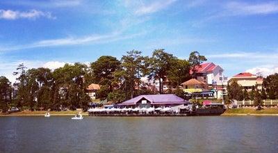 Photo of Lake Hồ Xuân Hương (Xuan Huong Lake) at Ðà Lạt, Vietnam
