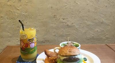 Photo of Burger Joint SUNCHAGO BURGERS at 栄町通2-2-10 650-0023, Japan