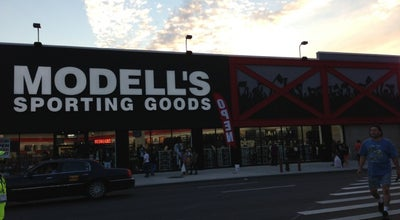 Photo of Sporting Goods Shop Modell's Sporting Goods at 140 Flatbush Ave, Brooklyn, NY 11217, United States