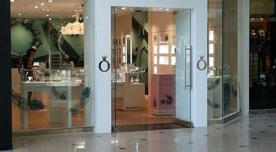 Photo of Jewelry Store Pandora at 200 E Pratt St, Baltimore, MD 21202, United States