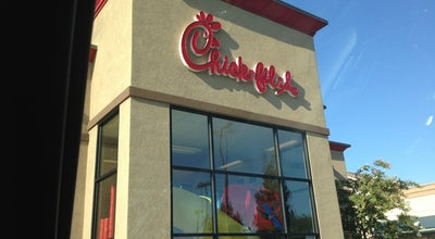 Photo of Fast Food Restaurant Chick-fil-A Bakersfield at 5260 Stockdale Hwy, Bakersfield, CA 93309, United States