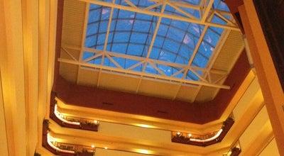 Photo of Bar Embassy suites atrium at Omaha, NE 68138, United States
