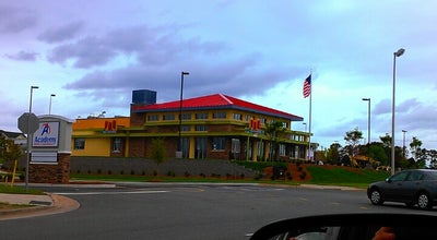 Photo of American Restaurant PDQ at 8665 Concord Mills Blvd, Concord, NC 28027, United States