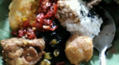 Photo of Indonesian Restaurant Nasi Jamblang Ibad Otoy at Jalan Doktor Cipto Mangunkusumo, Cirebon 45153, Indonesia
