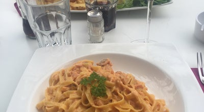 Photo of Italian Restaurant Le Moulin at 7 Bd Maréchal Leclerc, Antibes 06600, France
