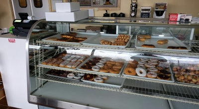 Photo of Donut Shop Donuts Deluxe at 1640 County Road E E, White Bear Lake, MN 55110, United States