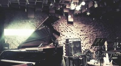 Photo of Jazz Club Club Evans at 마포구 와우산로 63, 서울특별시 121-895, South Korea
