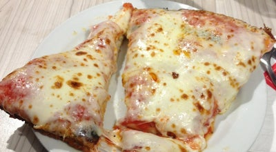 Photo of Pizza Place Pizzeria Spontini at Viale Papiniano, 43, Milano 20123, Italy