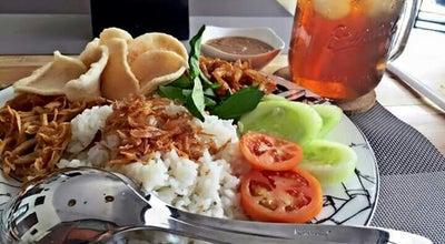 Photo of Arcade L.A. Seafood Nasi Uduk Jakarta at Jl Lingkas, Tarakan 77122, Indonesia