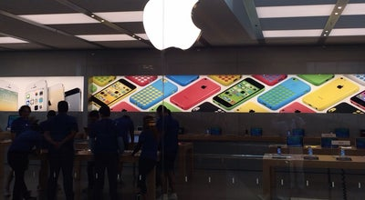 Photo of Electronics Store Apple VillageMall at Avenida Das Américas, 3.900, Rio de Janeiro 22640-102, Brazil