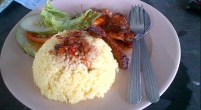 Photo of Asian Restaurant Fatinnaz Corner Cendol Pulut at Persiaran Jubli Emas, Kangar 01000, Malaysia