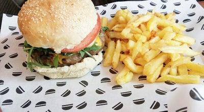 Photo of Burger Joint Brothers in Law at Παύλου Μελά 30, Θεσσαλονίκη 546 22, Greece
