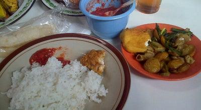 Photo of Diner RM. Khas Sunda Mang Iki at Jl. Pasar Baru, Garut, Indonesia