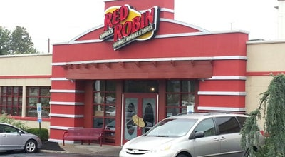 Photo of Burger Joint Red Robin Gourmet Burgers at 265 State Rt 3, Clifton, NJ 07014, United States