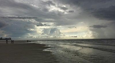 Photo of Beach Praia da Litorânea at Av. Litorânea, Sao Luis, MA, Brazil