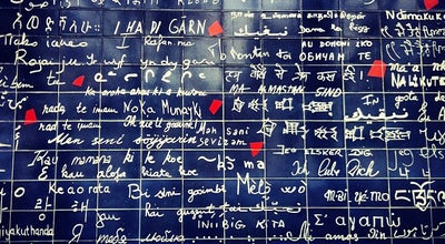 "Photo of Street Art Le Mur des ""Je t'aime"" at Place Des Abbesses, Paris 75018, France"