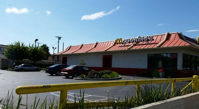 Photo of Fast Food Restaurant McDonald's at 7045 Van Nuys Blvd, Van Nuys, CA 91405, United States