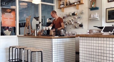 Photo of Coffee Shop Koffie Leute Brauhaus at Westerkade 30, Utrecht 3511 HC, Netherlands