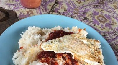 Photo of Breakfast Spot Warung Dangdut at Parit Raja, Malaysia