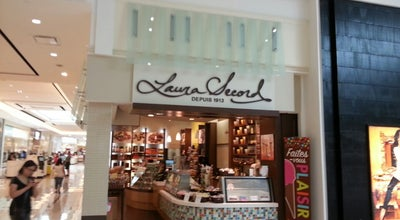 Photo of Candy Store Laura Secord at Canada