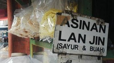 Photo of Vegetarian / Vegan Restaurant Asinan Lanjin at Jl. Bhakti Pasar Lama, Tangerang 15118, Indonesia