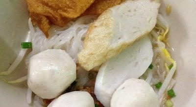 Photo of Thai Restaurant ก๋วยเตี๋ยวนายฮวด at ถนนเพชรบุรี, Thailand