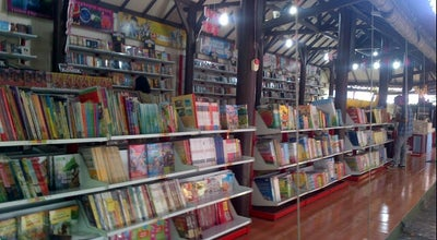 Photo of Bookstore Toko Buku Togamas at Jl. Diponegoro No. 9, Surabaya 60241, Indonesia