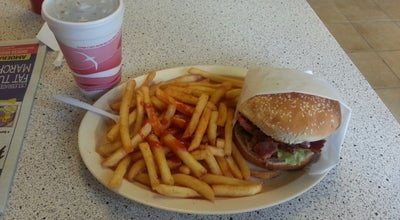 Photo of Burger Joint Golden Ox at 6518 Greenleaf Ave, Whittier, CA 90601, United States