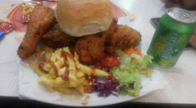 Photo of Fast Food Restaurant Danzheh FastFood   فست فود دانژه at Shariat St, Hamadān, Iran