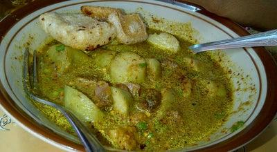 Photo of Indonesian Restaurant Empal Gentong Bu Darma - Krucuk at Jalan Slamet Riyadi, cirebon, Indonesia