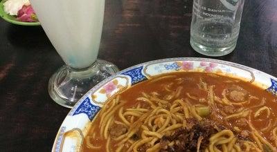 Photo of Ramen / Noodle House Mie Ayah Simpang Lhong Raya at Jl. Wedana, Lhong Raya, Banda Aceh, Indonesia
