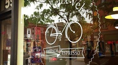 Photo of Breakfast Spot Le Vieux Vélo at 59, Rue Beaubien, Montréal, QC H2S 1R1, Canada