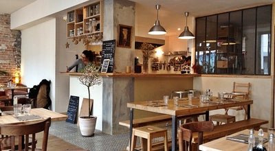Photo of Vegetarian / Vegan Restaurant La Petite Fabrique at 15 Rue Des Vignoles, Paris 75020, France