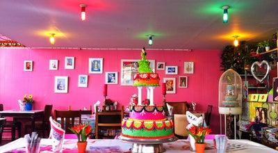 Photo of Bakery De Taart van m'n Tante at Ferdinand Bolstraat 10, Amsterdam 1072 LJ, Netherlands