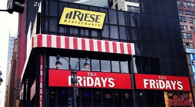 Photo of American Restaurant TGI Fridays at 484 8th Ave, New York, NY 10001, United States
