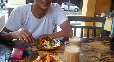 Photo of Breakfast Spot warung lontong hj.salim at Bangunan Mara,parit Raja, Malaysia
