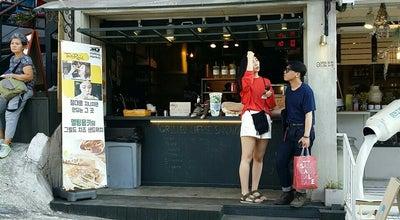 Photo of Sandwich Place 멜팅몽키 (Melting Monkey) at 용산구 녹사평대로46길 16, Seoul 140-861, South Korea