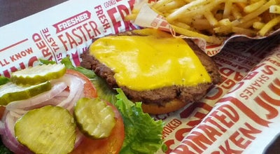 Photo of Burger Joint SmashBurger at 2300 Airline Dr, Bossier City, LA 71111, United States