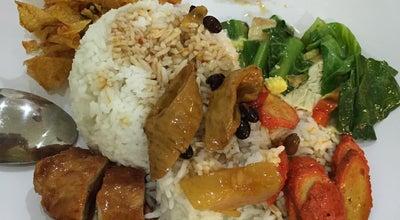 Photo of Vegetarian / Vegan Restaurant Lotus Vegetarian at Jl. Sabarudin No. 3, Medan, Indonesia